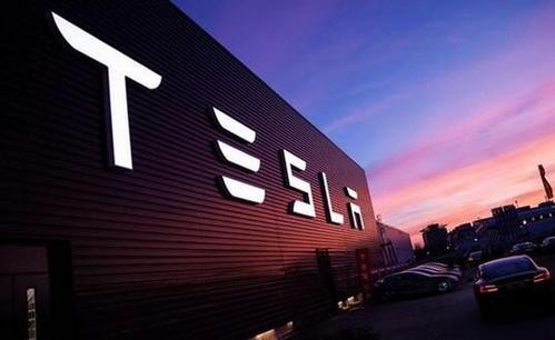 Brake failure + privacy leaks, how can Tesla's car safety concerns be dispelled?